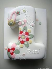 First Birthday Cakes - Contact Hyderabad Cupcakes to order! Bolo Fondant, Fondant Cakes, Cupcake Cakes, Fondant Icing, Pretty Cakes, Cute Cakes, Beautiful Cakes, 1st Birthday Cakes, Birthday Ideas