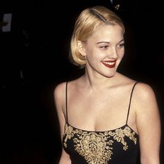 Drew Barrymore Style, Drew Barrymore 90s, 90s Grunge Hair, Queen Hair, Red Carpet Looks, Woman Crush, Hair Inspo, Girl Crushes, Pretty People