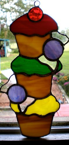 Cupcake Tower stained glass