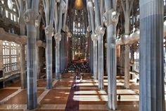 Show on Gaudi designed Familia Sagrada at City University of NY's Rafael Viñoly-designed exhibition space in the school's Upper Manhattan building, where it will remain on view through May 8.