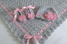 Crochet bebé manta / afgano sombrero y por HandmadeByHallien