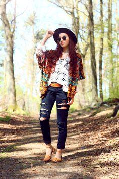 http://www.rauschgiftengel.com/2014/04/outfit-crochet-hippie-chic.html