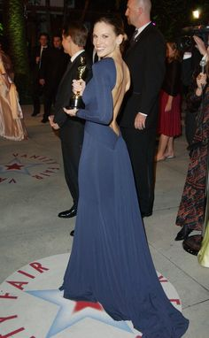 Hilary Swank proved you don't need sparkles and glitter to stand out on the red carpet. To pick up her Best Actress award for her role in Million Dollar Baby, the actress wore this backless dress by Guy Laroche.