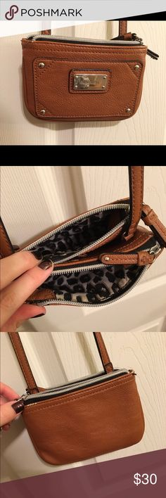 Cross body purse Nine West crossbody. Gently used, good condition. nine west Bags Crossbody Bags
