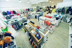 Cil Bespoke shopfitting display equipment