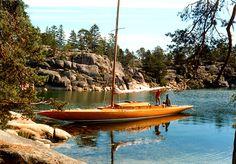 Sail+boat+in+the+Stockholm+archipelago,+Sweden