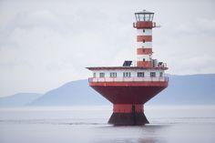 Phare du Haut-Fond-Prince, fleuve Saint-Laurent, Tadoussac, Quebec // Haut-Fond-Prince's lighthouse in Tadoussac, Quebec, St. Lawrence River.