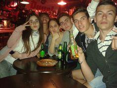 D7~algo divertido ~ver el Madrid junto a unas cervecitas