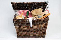 Grill Geschenkkorb, großer Spaß von Good Things Geschenkkörbe auf DaWanda.com