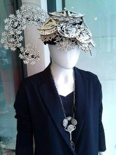#outfit #christmashat #necklace #uniquehandmade #doloresesimonettabijoux