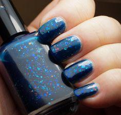 Sleeping Beauty - dark blue colorshifting flakies – Indigo Bananas