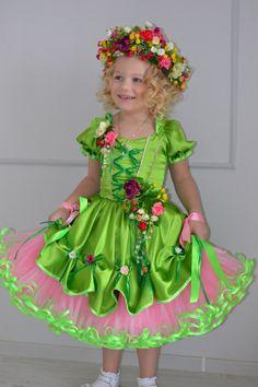 "Детские карнавальные костюмы ""Penelope""'s photos American Girl Outfits, Flower Costume, Doll Costume, Tea Party Hats, Girls Dresses, Flower Girl Dresses, Party Frocks, Carnival Costumes, Christmas Costumes"