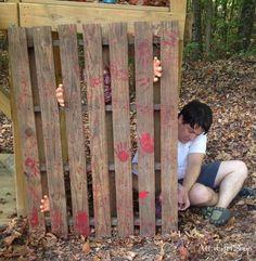 Atta Girl Says   Walking Dead Halloween Decorations: Hershel's Barn Pallet Project   http://www.attagirlsays.com