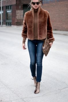 Seven For All Mankind Gwenevere Skinny Jean Cute Fall Outfits, Casual Winter Outfits, Winter Fashion Outfits, Autumn Fashion, Fashion Mode, Fur Fashion, Fur Coat Outfit, Nude Outfits, Fur Bomber