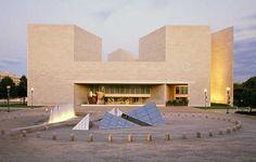 East Buliding, National Gallery of Art :: I.M. Pei.  Washington, DC (1978)