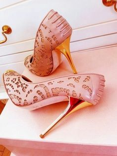 pink shoes ♥