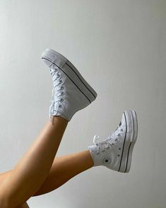 Dr Shoes, Swag Shoes, Hype Shoes, Me Too Shoes, Moda Sneakers, Shoes Sneakers, Footwear Shoes, White Sneakers, Converse Shoes