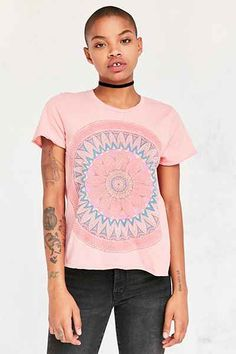 Future State Medallion Tee - Urban Outfitters
