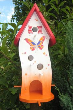 Brightly painted birdhouse Source by Related posts: Brightly painted birdhouse Brightly painted birdhouse Related posts brought to you by YARPP. Birdhouse Designs, Bird Houses Painted, Bird Boxes, Box Houses, Bird Pictures, Bird Cage, Beautiful Homes, Beautiful Things, Bird Feeders