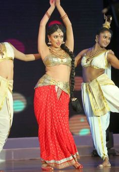 Pooja Kumar Dance Performance Photos at Uthama Villain Telugu Audio Launch | Bollywood Tamil Telugu Celebrities Photos