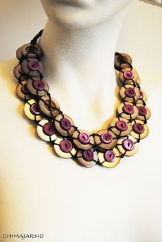 two size button necklace