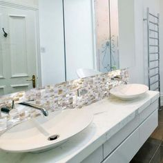 Wholesale Mother of Pearl Tile for Wall Backsplash & Floor Decoration Shell Mosaic Tiles with Porcelain Base