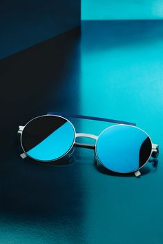 6972b8331e2 The upside down view of the MYKITA + AMBUSH® sunglasses VERBAL is back with