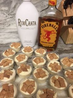 Cinnamon Toast Crunch Pudding Shots - - Definitely not just for breakfast. This perfect flavor combination is great any time of day! 1 box sugar free vanilla pudding ¾ cup skim milk ¼ cup cinnamon whiskey ½ cup Rumchata 1 tub of fat fre…. Pudding Shot Recipes, Jello Pudding Shots, Jello Shot Recipes, Alcohol Drink Recipes, Rumchata Pudding Shots, Pudding Cup, Vanilla Pudding Shots, Rumchata Recipes Shots, Fireball Jello Shots