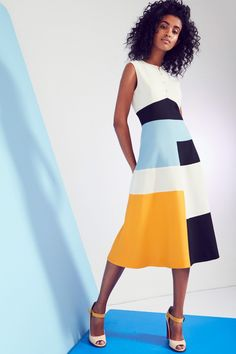 Novis Spring 2017 Ready-to-Wear Collection Photos - Vogue we have chosen the newest fashion clothes Chic Outfits, Fashion Outfits, Fashion Trends, Office Outfits, Skirt Outfits, Fashion Ideas, Fashion Inspiration, Mode Simple, Spring Fashion 2017