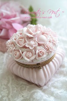 ...Super Feminine, Softest Pink with Dozen or More Pink Roses, on it's lid, Trinket Box   Gorgeous!