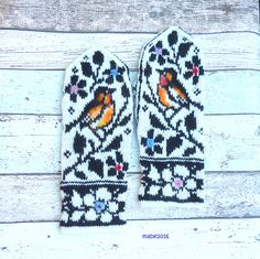 Ravelry: Project Gallery for Birds and Flowers pattern by Natalia Moreva Mittens Pattern, Knit Mittens, Knitting Socks, Fair Isle Knitting Patterns, Fair Isle Pattern, Bird Patterns, Wrist Warmers, Knitting Accessories, Knitting Projects