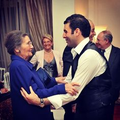 It's with deep saddness that I've just learned the passing of one of the greatest woman of all time Mme Simone Veil. An amazing lady who changed French history forever. I'll never forget the day I first performed for her in 2010. She was supposed to stay 5 minutes and finally stayed 1h30 until the end. She took me in her arms and told me that she was proud of me.