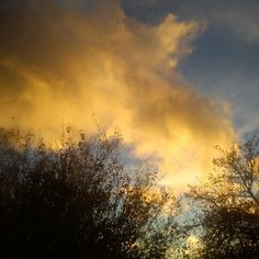 Yellow sunset cloud.. Sky And Clouds, My Photos, Celestial, Sunset, Yellow, Outdoor, Outdoors, Sunsets, Outdoor Games