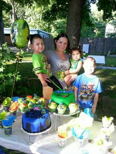 Chris 4th party TMNT... two cakes and cupcakes fondant