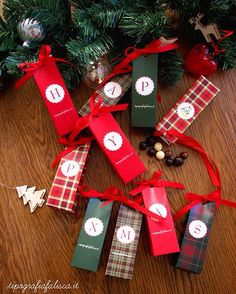 Avete già preparato l'albero di Natale? Vi auguriamo un super ponte dell'immacolata ...felice week end!  #christmasdecorations #christmas #atmosferanatalizia #holidays #natalealleporte #weddingchristmas #fashion #natale #gift #christmastree #natale2015 #christmasatmosphere #aspettandonatale #santaclaus #tipografiafalisca #alberodinatale #red #tartan #regalidinatale #sweet #arianatalizia #dolci #cioccolatini #festivitanatalizie #pontedellimmacolata #immacolata #winterwedding #Christmastime