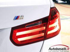BMW 320 D TOURING MSPORT AUTOMATICA Cambio Steptronic Sport + Pad + Navigatore + Head up display + Interni in pelle + Fari Xeno + Bluetooth +Retrocamera + Cerchi in lega 18 + Park distance control ant/post + Servotronic + Comandi al volante + Unico proprietario + del 2013