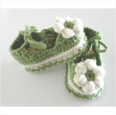 BABY lace up shoes crochet green and white 4 inch x 2 inch #023