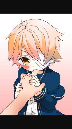 Oliver mordiendo(o chupando *¬*)uno de los dedos de alguien que envidio