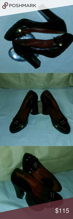 Marc Jacobs  Patent Leather/Red Lining Shoes Sz 7 Hello listed is a pair of black leather Marc Jacobs shoes with red leather lining, two gold chains in the front, thick heel and bottom rubber sole which makes them super comfy. Please look at my other listings to bundle up. Shine like a Star! Marc Jacobs Shoes Heels