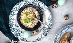Nejen na Velikonoce si můžete připravit jednoduchý vajíčkový salát, který je evergreenem české kuchyně. Chutná dětem i dospělým. #salat #vejce #vajickoverecepty #vajickovysalat #vejcenatvrdo #varenavejce #velikonoce Soup, Ethnic Recipes, Soups