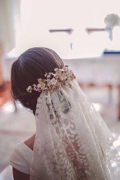 Tocado trasero flores perladas. Le Touquet