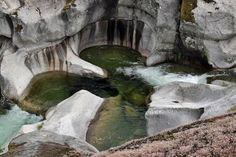 Cómo subir a las piscinas naturales de Los Pilones en la reserva natural de la Garganta de los Infiernos en el Valle del Jerte en Extremadura