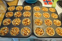 Mini apple pies by Little Bit Funky, this recipe is helpful to determine quantities of apple for mini muffin tins. 12 muffins = 24 mini muffins. A quad batch uses two bags of Kraft caramel bits with a splash of cream. Use Mom's apple crisp struesel, one recipe makes enough for a quad batch of mini muffins.