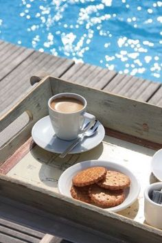 I think I'll have a bit of coffee & biscuit before heading out to kayak.............                                            IMG_0476