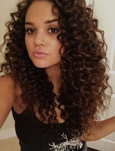 How to Create Beautiful Wedding Hairstyles - Put the Ring on It Curled Hairstyles, Easy Hairstyles, Girl Hairstyles, Wedding Hairstyles, Girl Short Hair, Curly Girl, Pastel Hair, Shoulder Length Hair, Cool Hair Color