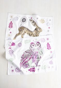 Start a new morning routine by tidying your kitchen with these wilderness-inspired tea towels. The vibrant hues of these cotton textiles provides limitless possibilities for sprucing up your flat, while their painterly owl and bunny prints add a wild touch your daily drill!