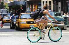 Street Style Fashion: Meatpacking I dig this bicycle Bike Fashion, Style Fashion, Riding Bikes, Bike Style, Cool Bicycles, Fixed Gear, Cyclists, Aqua, Beautiful Women