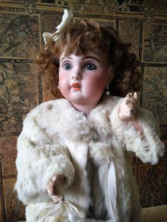 """Antique Jumeau doll mould 1907 size 10 with stamped body """"Medaille : The Precious Antique Dolls and Accessories 