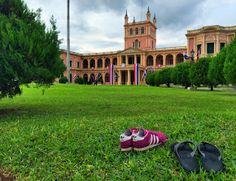 Het Presidentieel paleis in Asuncio...
