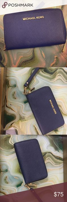Michael Kors Jet Set Lg Leather Wristlet Almost new Michael Kors wristlet. Excellent condition! Beautiful Navy color. Retail price $108. Asking $75 price negotiable. KORS Michael Kors Bags Clutches & Wristlets